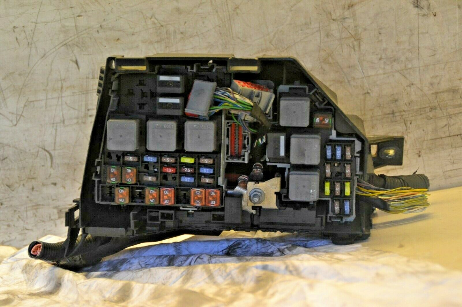 Ford Galaxy Fuse Box   Fusebox and Wiring Diagram schematic penny ...