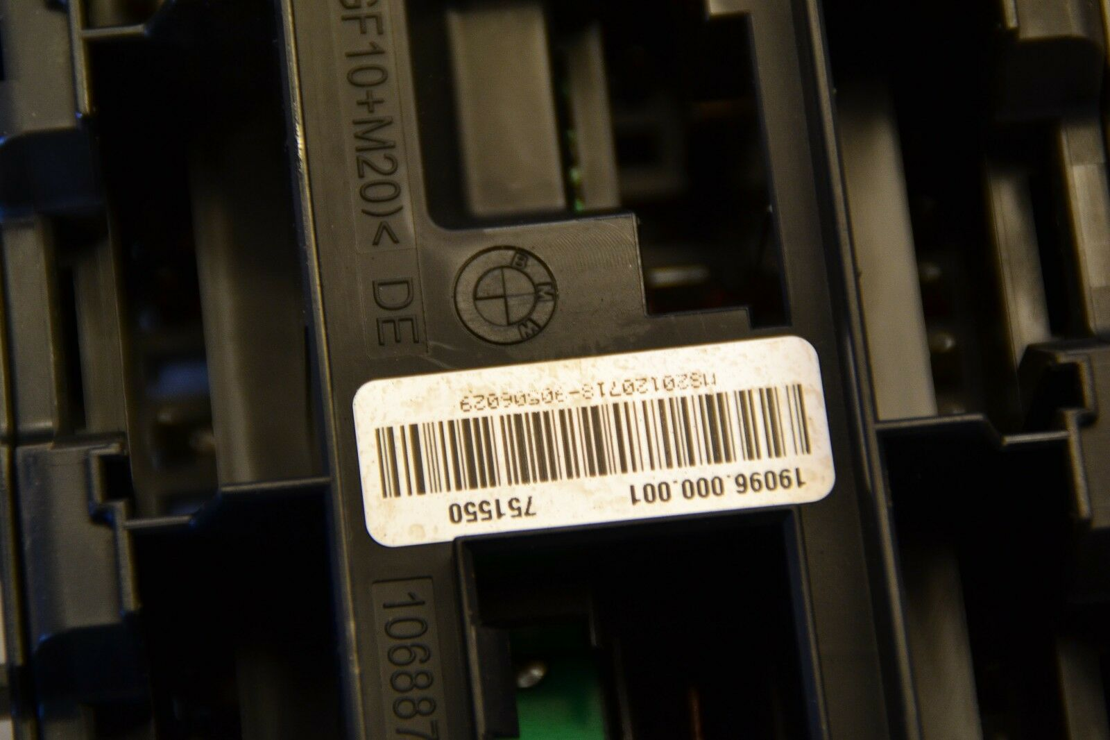 Bmw 1 Series F20 Dash Fuse 922487904 Box Assembly 2012